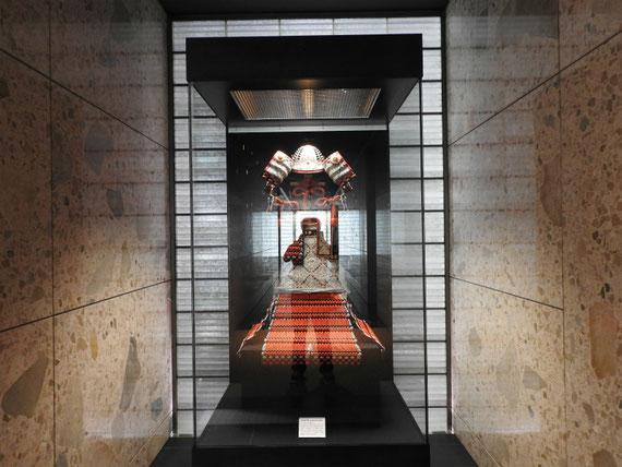 通史展示室 前廊下に展示の鎧
