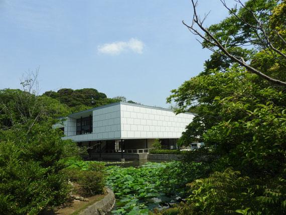 鎌倉文華館と平家池