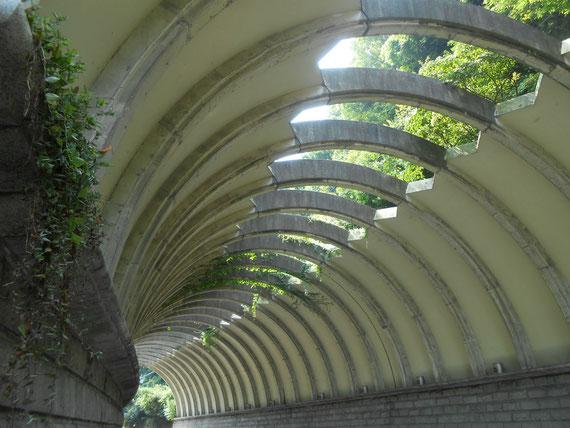 巨福呂坂洞門トンネル。いつ来てもこの洞門は良いですね!