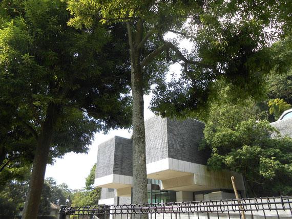 8月の神奈川県立近代美術館 別館