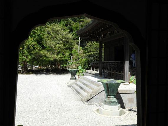 建長寺方丈中庭 9月