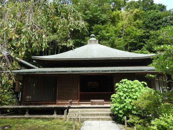東慶寺 本堂(泰平殿) 釈迦如来坐像が安置されています