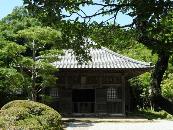 海蔵寺仏殿(薬師堂) 6月