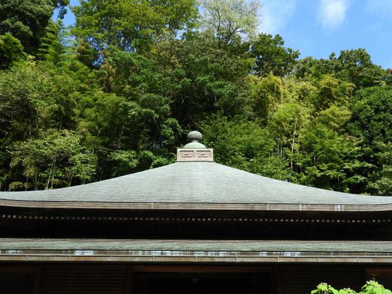 東慶寺本堂の屋根