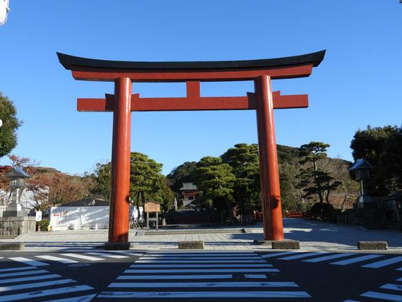 12月の鶴岡八幡宮 三の鳥居