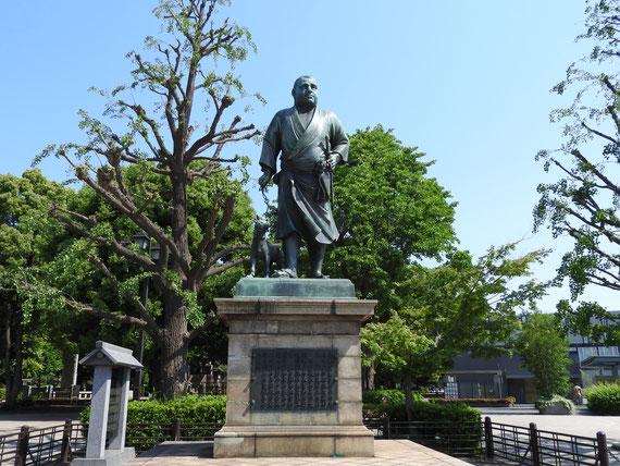 明治31年序幕、偉大な功績を残すため建立された 「西郷隆盛像」