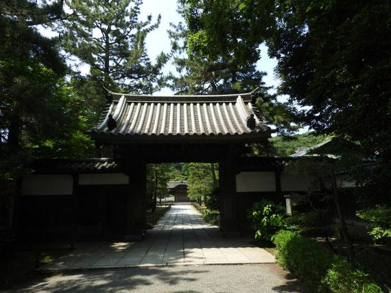 御門 江戸時代宝永5年(1708年)建築、京都東山・西方寺藥医門