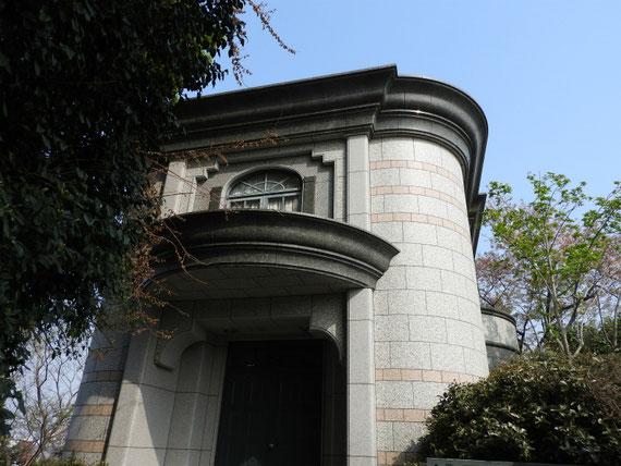 外国人墓地資料館入り口
