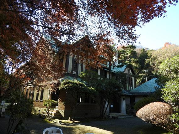 左前庭園より観る旧華頂宮邸