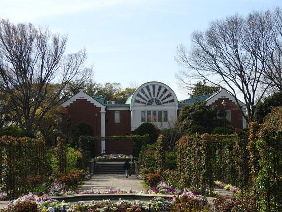大佛次郎記念館、正面のデザイン