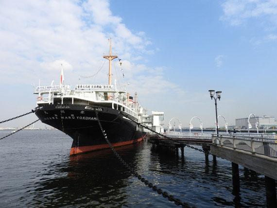 さん橋と日本郵船氷川丸