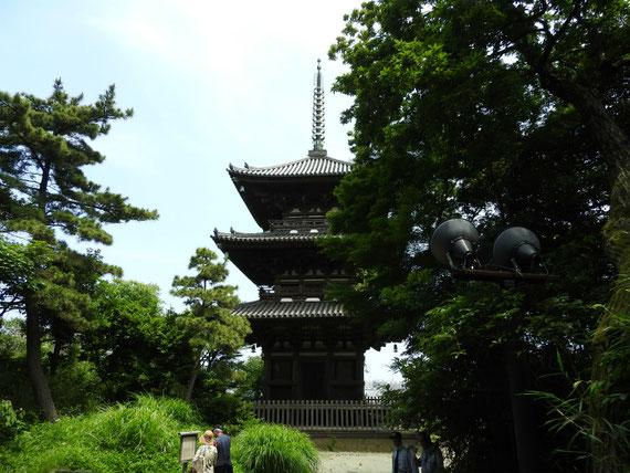 旧燈明寺三重塔(とうみょうじさんじゅうのとう)室町時代康正3(1457)建築