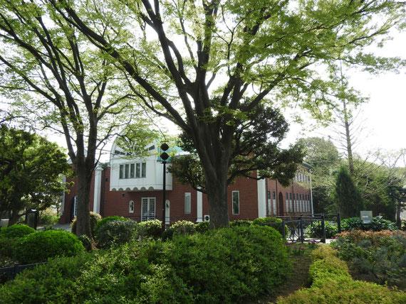 大佛次郎記念館、右正面のデザイン