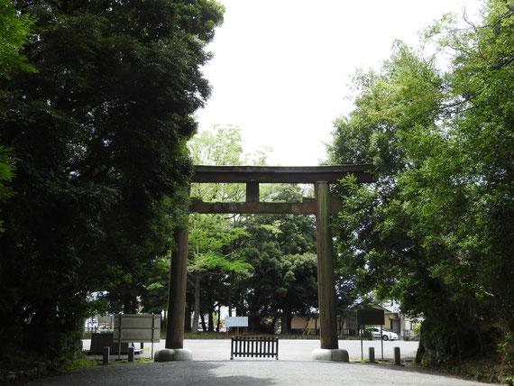 静岡縣護国神社一の鳥居