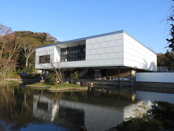 改装中の、鎌倉近代美術館跡