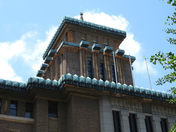 神奈川県庁キングの塔 6月