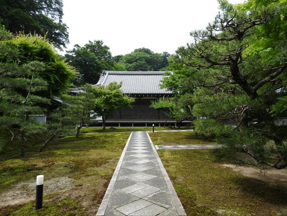 長寿禅寺本堂 5月