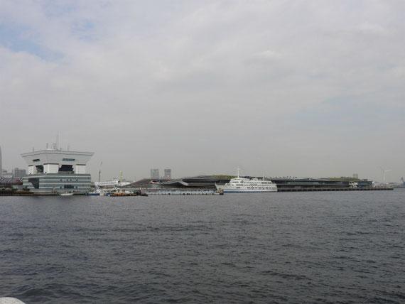 海から大さん橋