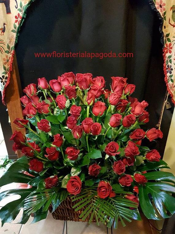Cesto de 100 rosas rojas ref valentino 010217