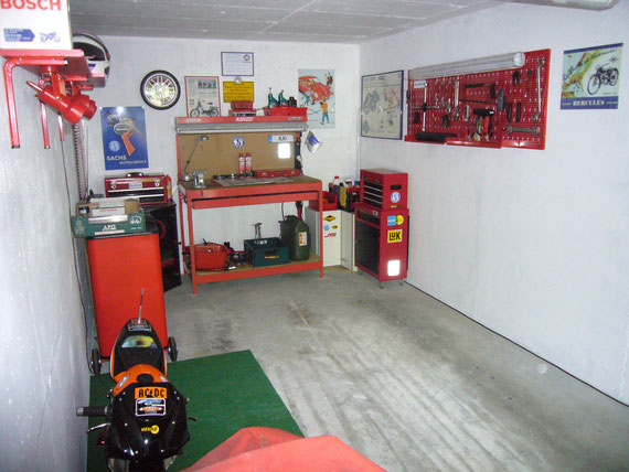 Super Moped Hobbygarage - manias-moped-garage DY-13