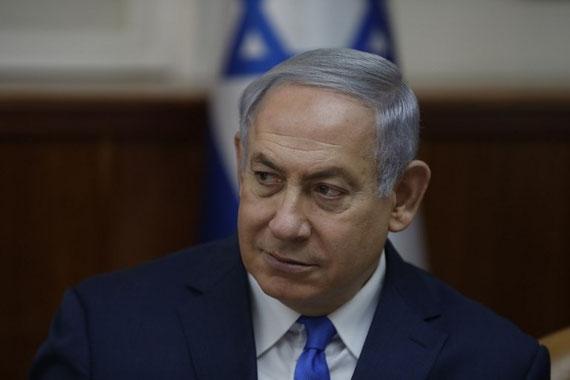 Les mesures engagées pour inculper le Premier ministre israélien pour corruption pourraient le pousser encore plus dans les bras de la droite nationaliste, ce qui risque d'aggraver la situation des Palestiniens