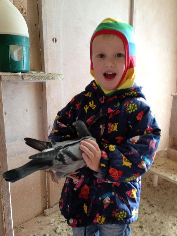 Unser Enkelkind Adrian ( 4 Jahre ) früh übt sich ...