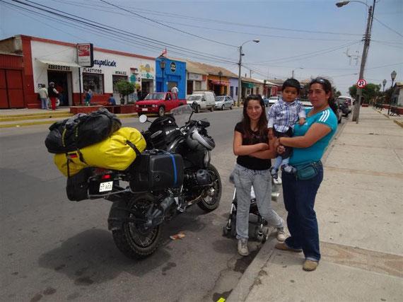 Los Vilos und der erste Motorradnachwuchs auf unserem Mopped ...