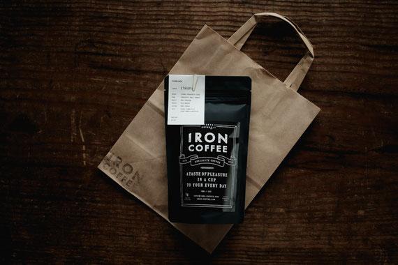 豪徳寺 IRON COFFEEのコーヒー豆(Fujifilm X-Pro2)