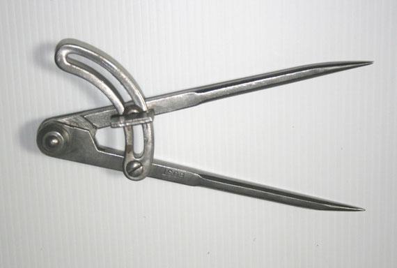 Petit compas de marque Bost (XXe siècle)