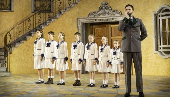 Les 7 enfants du capitaine sur scène