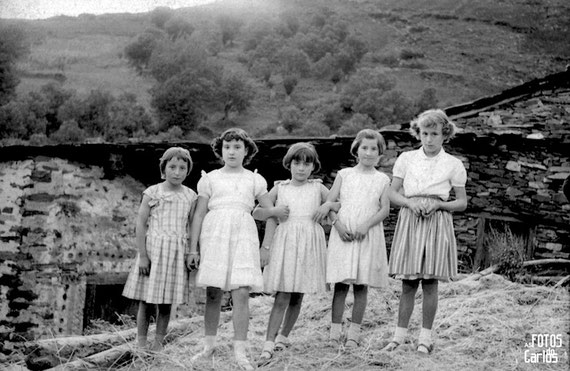 1958-Septiembre-Penarrubias-5niñas-Carlos-Diaz-Gallego-asfotosdocarlos.com