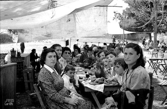 1958-La-Hermida-merienda2-Carlos-Diaz-Gallego-asfotosdocarlos.com