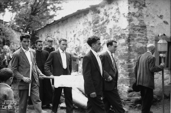 1958-Septiembre-Penarrubias-Procesion2-Carlos-Diaz-Gallego-asfotosdocarlos.com