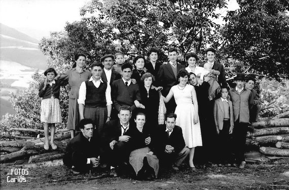 1958-Grupo-posando-Carlos-Diaz-Gallego-asfotosdocarlos.com