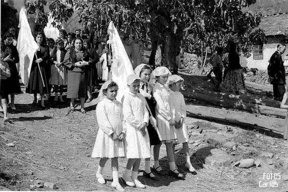 1958-La-Hermida-procesión1-Carlos-Diaz-Gallego-asfotosdocarlos.com