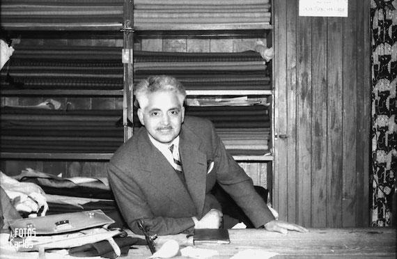 1958-niño-mesa-Carlos-Diaz-Gallego-asfotosdocarlos.com