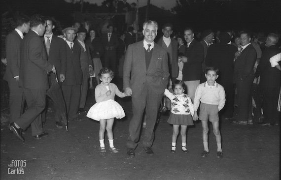1958-Padre-niños-Carlos-Diaz-Gallego-asfotosdocarlos.com