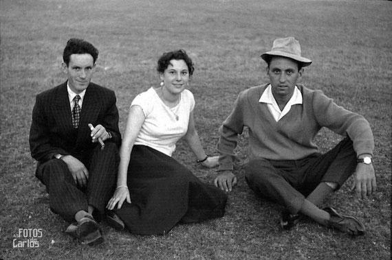1958-Torbeo-sentados-campo-Carlos-Diaz-Gallego-asfotosdocarlos.com