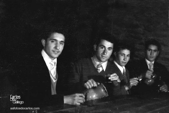 1958-2-mozos-barra-Carlos-Diaz-Gallego-asfotosdocarlos.com