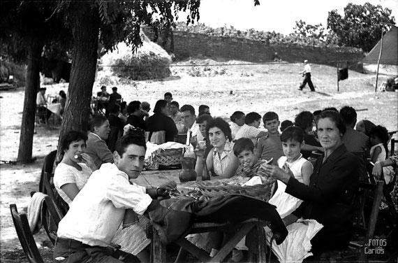 1958-La-Hermida-merienda1-Carlos-Diaz-Gallego-asfotosdocarlos.com