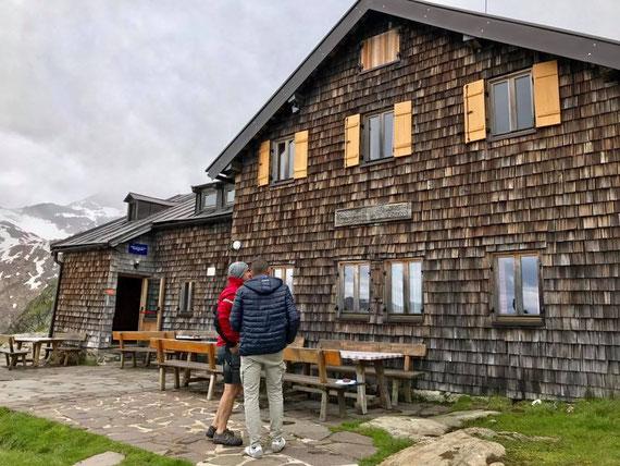 Lokalaugenschein an der Hütte