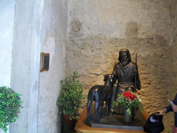 La statua in bronzo di San Francesco