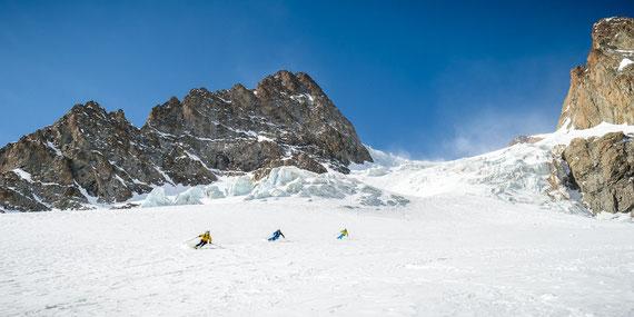 Descente du Glacier de l'Homme avec Benj, Thibo et Quentin (photo Alexandre Buisse)