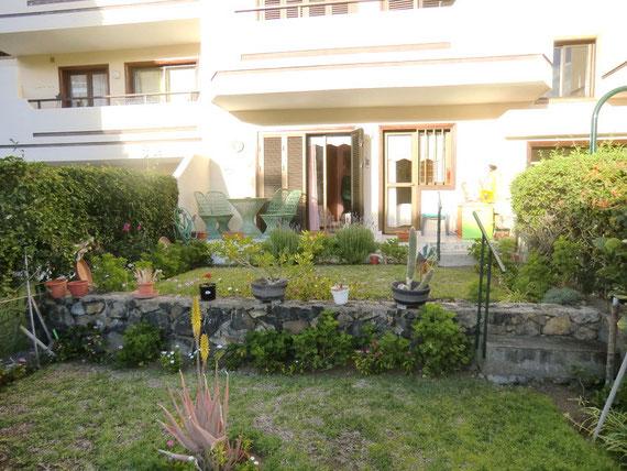 2.Terrasse mit Garten
