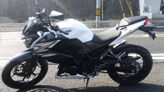 カワサキ Z250 白緑 低走行 福岡 中古バイク