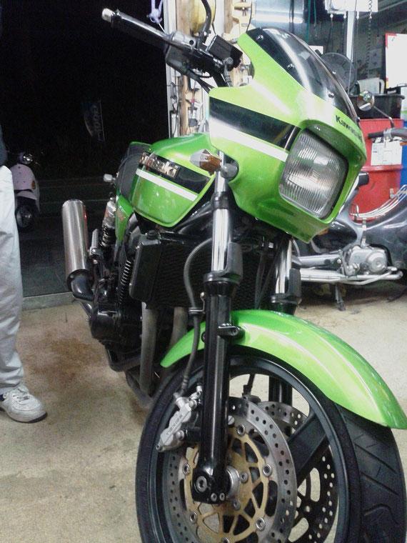福岡 Top's カワサキ ZRX400