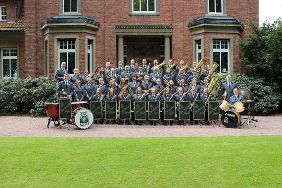 Alle gewöhnlichen Blasinstrumente wie (Oboe, Querflöte, Klarinette, Fagott, Waldhorn, Trompete, Flügelhorn, Tenorhorn, Bariton, Posaune, Tuba, Schlagwerk) sind im Blas-Orchester Rodde vertreten.