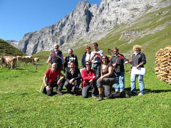 Gruppenfoto mit Gewinnern und Jury-Mitgliedern