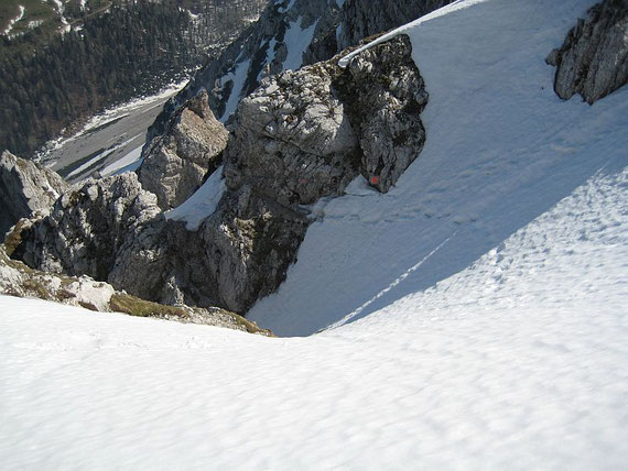 Kurz vor dem Ausstieg gilt es nochmals eine steile Rinne zu queren
