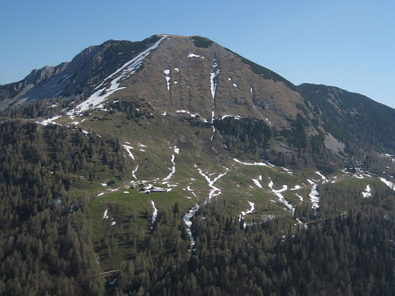 Im Norden präsentiert sich der Kosiak, rechts im Bild kann man auch die Klagenfurter Hütte erkennen